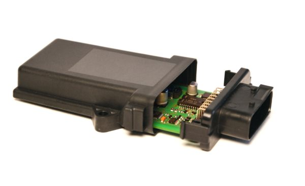 PEG-F: Automotivegehäusemit 18-poligen HDSCS-Stecker nach IP69K mit Elektronik automotive housing